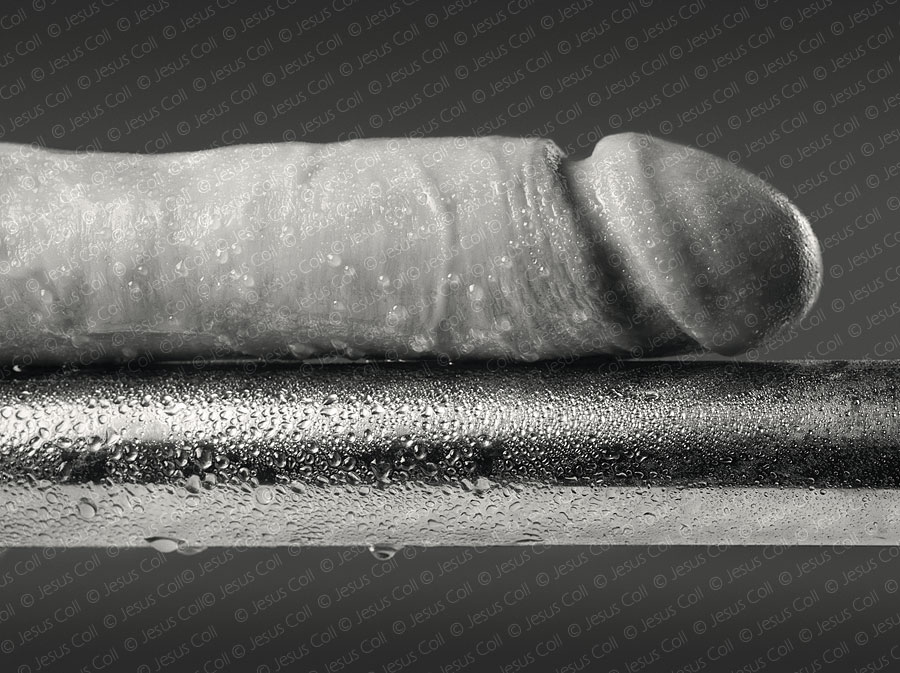 Pene y barra de acero. Fotografia FineArt Erotica de Jesús Coll