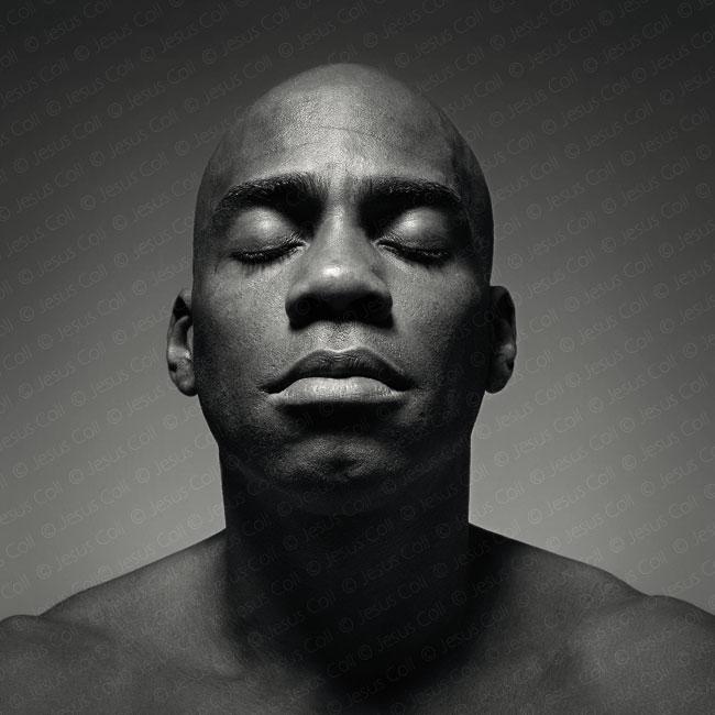 Set: Retrato Fine Art Artístico en Blanco y negro de Set con los ojos cerrados de Jesús Coll