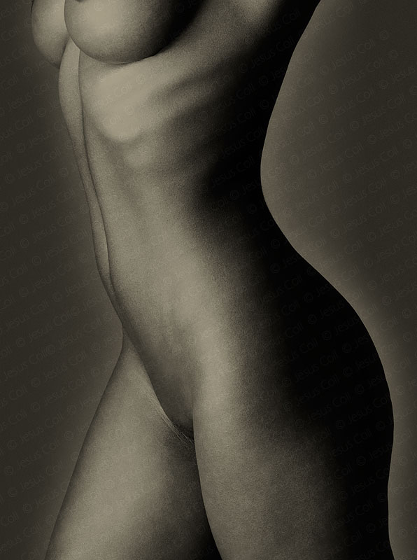 Black Body III. Ftotografía Fine Art de Desnudo Artístico en Blanco y Negro de Jesus Coll