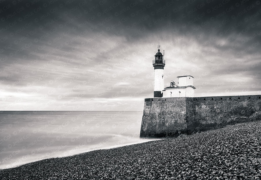 Lighthouse, Le Tréport, Normandy, France. Fotografía de Paisajes Naturales en Blanco y Negro de Jesus Coll