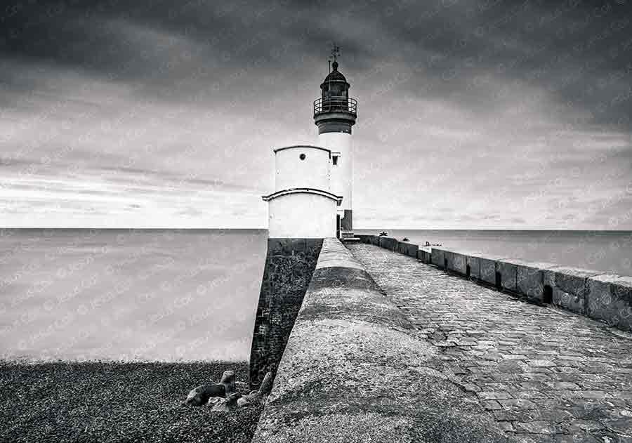 Path to the Lighthouse, Le Tréport, Normandy, France. Fine B&W photography de Jesus Coll