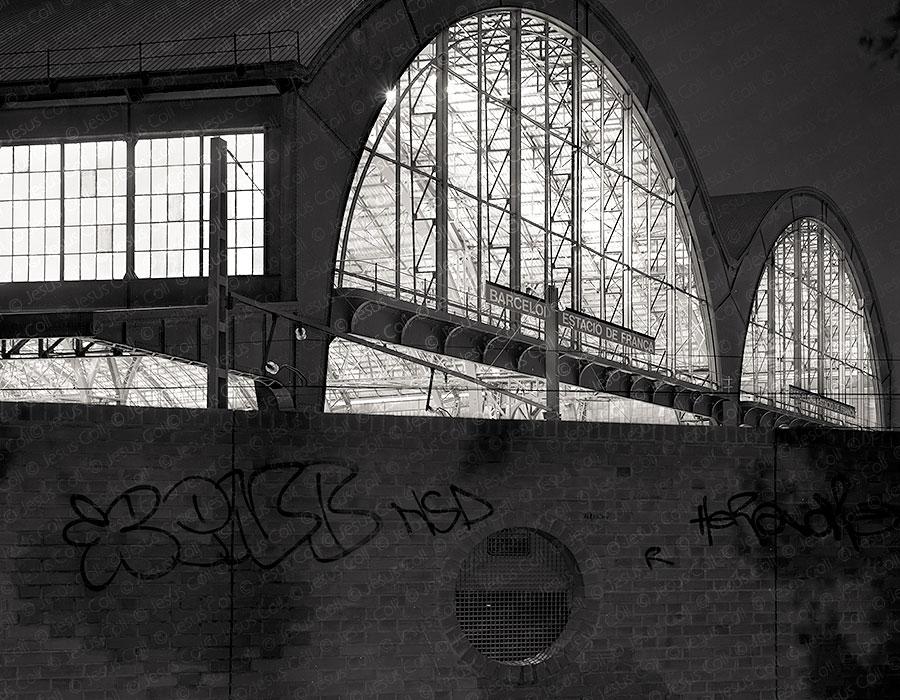 Barcelona Estació de França. Fotografía Fine Art de Paisaje Urbano Blanco y Negro de Jesús Coll