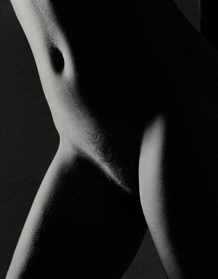 Torso desnudo a contraluz