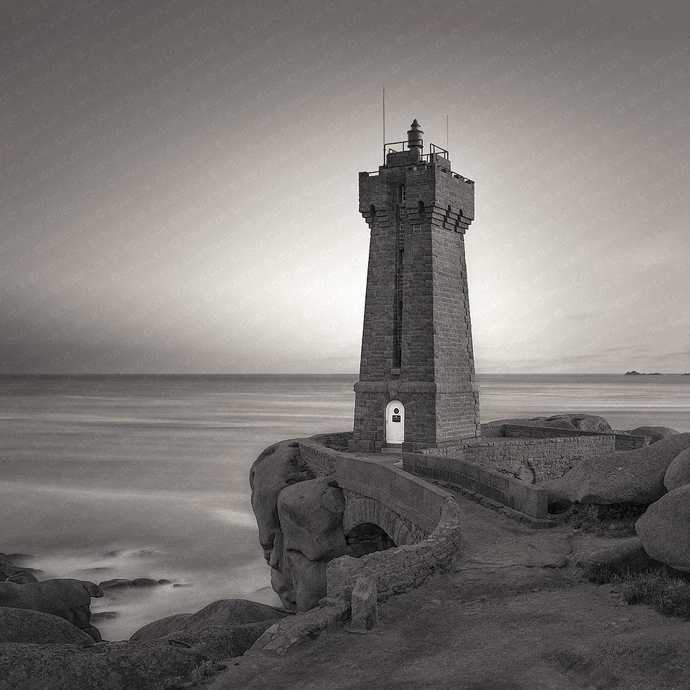 Men Ruz Lighthouse, Ploumanach, France